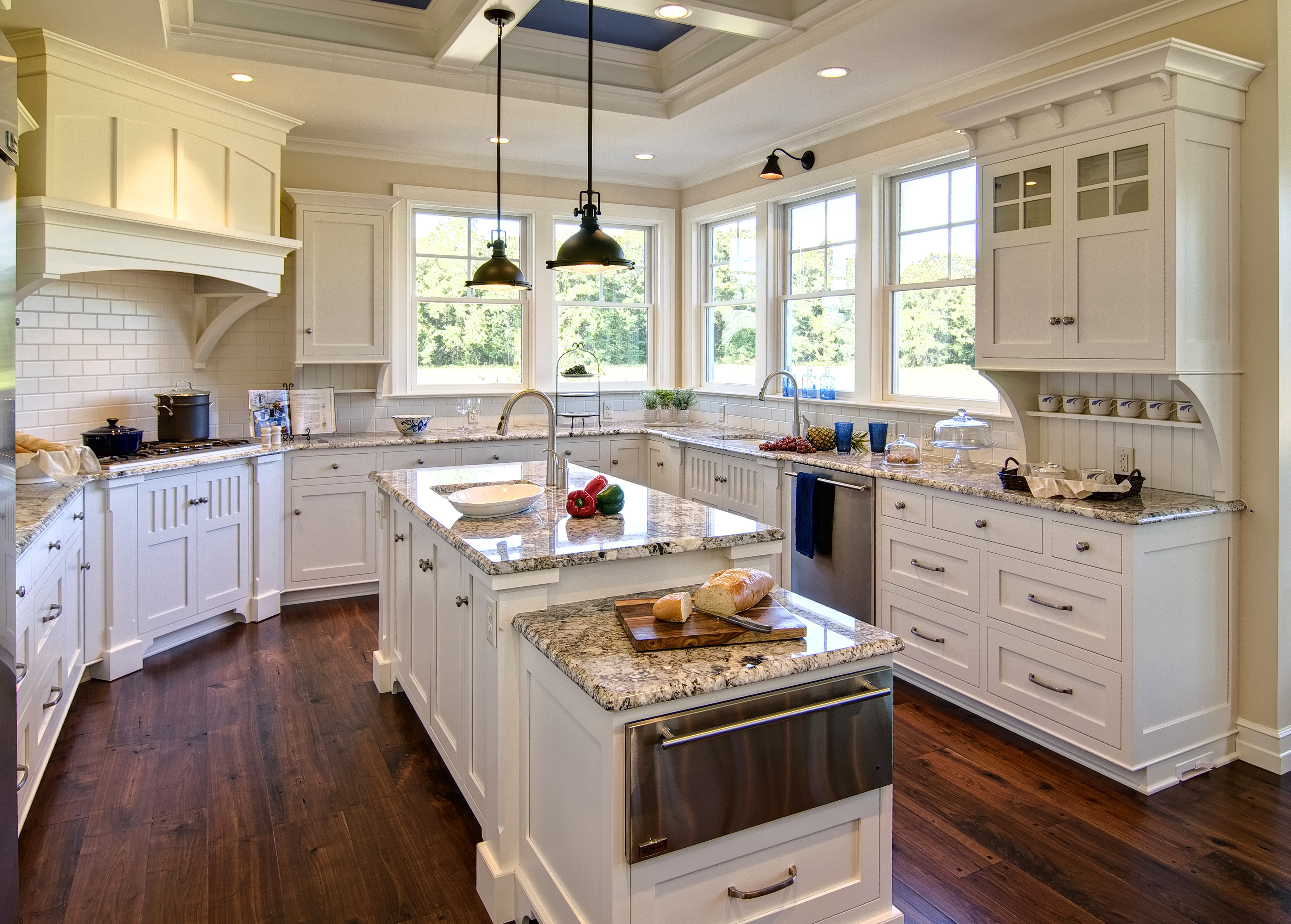 Colonial Craft Kitchens